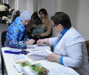 Для переселенцев из Крыма медики организовали социальную акцию